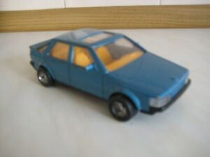 UNBRANDED 1/37 SCALE SAAB 9000i