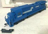 Walthers Trainline GE DASH 8 40B Conrail 5060 Locomotive Train HO Scale w/ Plow