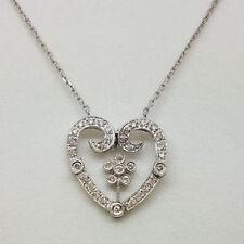 Collar de joyería con diamantes en oro blanco