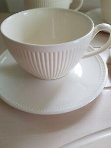 Wedgwood Windsor creamware 4 Large coffee Cups & saucers.