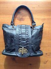 ladies BRAND NEW black Genuine leather hand bag very good quality Stylish