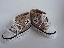 Babychucks, Babyschuhe, Socken,gehäkelt, gestrickt weiß/beige/schwarz 10 cm Neu
