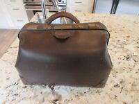 Vintage/Antique Doctor's Large BROWN Leather Medical Bag Made by D & W