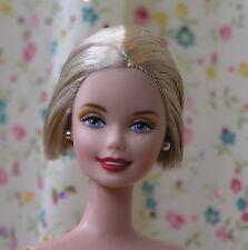 Nude CE Platinum blonde Barbie short bob hair smiling face sculpt just deboxed