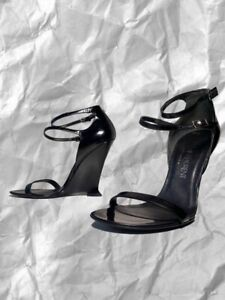 Yves Saint Laurent Black Classy Heels