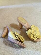 Born shoes size 6  yellow