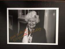 ELIZABETH BRADLEY - POPULAR BRITISH ACTRESS - SUPERB SIGNED UNIQUE VINTAGE PHOTO