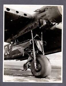 SHORT STIRLING BOMBER MAIN GEAR LARGE ORIGINAL PRESS PHOTO RAF WW2