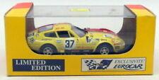 Voitures des 24 Heures du Mans miniatures jaunes