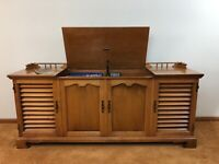 Vintage 1967 Zenith Solid State Stereo Console Model X942 Works !