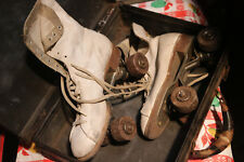 Vintage 40-50's Womens Roller Skates White Boots on Wheels w/ Carrying Case