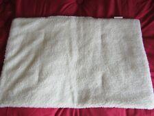 tapis coussin  chien  (imitation mouton)  /NEUF/petit chien/75x50 cm