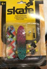 Skate! - Finger Skateboard - Extra Wheels and Screws