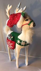 """AnnaLee Dolls - White Snowflake Reindeer w/ Gift Saddlebags 12"""" - EUC"""