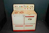 "Vintage ""Wolverine Mfg Co"" Toy Stove 1950s Made Of Tin Children Kitchen"