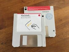 Macintosh  MAC PAINT floppy disk 400K 690-5011D 128K, 512K, 512ke, Plus, SE, II