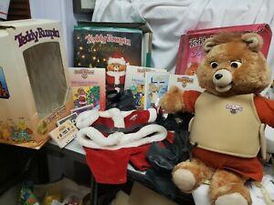 1985 Teddy Ruxpin Teddy Bear + Christmas O/f set + Love Songs O/f set