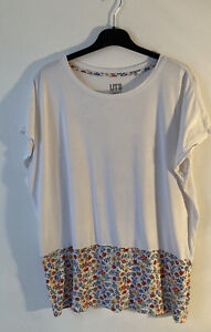 Liberty Of London Uniqlo Ladies T Shirt White Floral Print L -Special Edition