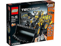 LEGO Technic Volvo L350F Wheel Loader (42030) Sealed Brand new