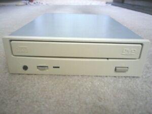 HITACHI GD-2500 24x/4x Internal DVD-ROM Drive Beige