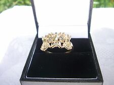 9 CARAT GOLD LARGE PERIDOT RING IN A FLOWER SETTING EXCELLENT CONDITION