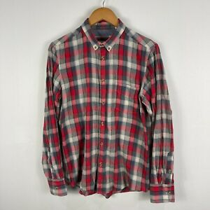 Ben Sherman Mens Button Up Shirt Size Medium Plaid Long Sleeve Collared 12.09