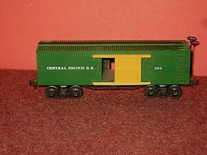 Bachmann HO. CPRR Old Time 34 ft Box car. Plastic. RTR. Knuckle couplers. C-7