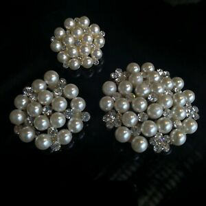 10 x Beautiful Diamante Brooch With Pearl For Invitation Or Gift