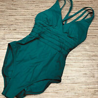 YY-30 La Blanca Swimsuit One piece Convertible  plunge GREEN size 6 $119 new