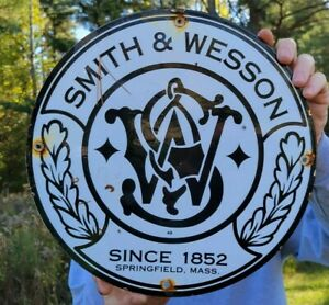 VINTAGE OLD DATED 1949 SMITH AND WESSON PORCELAIN GUN SIGN! AMMUNITION AMMO