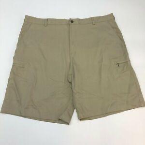Izod Cargo Golf Shorts Men's Size 42 Tan Classic Fit Flat Front Zip Pockets