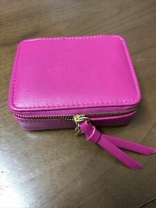 Estee Lauder make up pouch in colloab with Cancer Research (missing Lipstick)