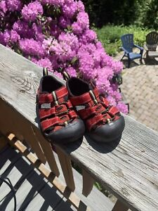 Keen Youth/Infant Sz 6mo  Red Sandals Summer Waterproof