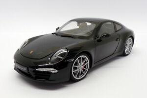 Welly 1/18 Scale Model Car 18047W - Porsche 911 Carrera S - Black