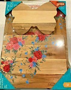 THE  PIONEER WOMAN 3 PIECE ACACIA WOOD CUTTING BOARD SET IN SWEET ROSE DESIGN