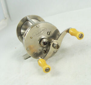 Old Vintage SHAKESPEARE UNIVERSAL PRECISION 23046 Casting Reel - Jeweled - 1924