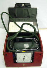 Vintage ERKA Blutdruckmessgerät m. Stethoskop 1978 Arztzimmer Medizin Sammler
