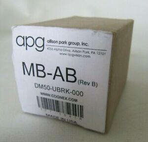 (NEW) Cognex APG Universal Mount Bracket DM50-UBRK-000