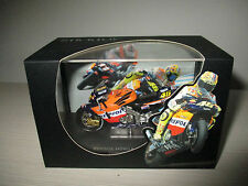 HONDA TEAM 2002 REPSOL V.ROSSI IXO MODEL SCALA 1:24