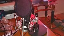 Audio technica at2020 with samson stand and pop filter