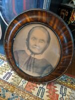 ANTIQUE OVAL PICTURE FRAME OLD WOMAN PHOTOGRAPH 15X12 21X18 FAUX TIGER WOOD VTG