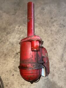 ORIGINAL IH FARMALL CUB  TRACTOR -ENGINE AIR CLEANER assembly