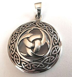 Sterling Silver (925)  Horns  Of  Odin  Celtic  Circle  Pendant   !!     New !!