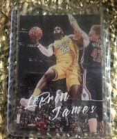 2019-20 Panini Chronicles LEBRON JAMES Luminance Green Parallel #162 LA Lakers