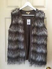 NWT One World Women Ladies Faux Fox & Knit Long Hair Gray White Vest Sz P/ L / M