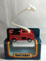 MATCHBOX 1987 DIECAST SNORKEL FIRE ENGINE - RED - MB-13 - BOXED