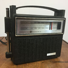Minty Retro Atomic Mid Century Vintage GE Travel Mantle Shelf Radio 70s 60s