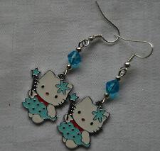 Hecho A Mano Plateado Plata Pendientes De Hello Kitty tapones de Esmalte Azul Cristales Gratis