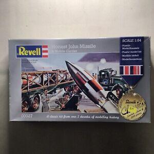 Revell Honest John Missile and Mobile Carrier (10/27)