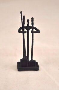 Fireplace Tool Set  - 1/12 scale dollhouse metal miniature  ISL2408-1